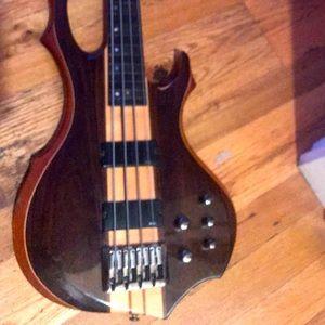 Bass guitar 4 string Ltd